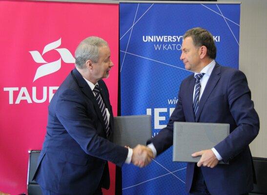 TAURON podpisał umowę ramową o współpracy - od lewej prof. zw. dr hab. Wiesław Banyś, rektor UŚ oraz Dariusz Lubera, prezes TAURON Polska Energia.JPG