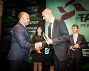 Nagrodę odbiera prezes TAURONA Jerzy Kurella.jpg