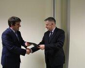 Umowę podpisali- Łukasz Brzózka, prezes zarządu TAURON Wydobycie ,Nowe Brzeszcze Grupa TAURON oraz M