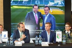od lewej: (Piotr Rosiak, project manager, Ericsson; Oliver Kanzi, prezes, Ericsson; Jakub Szumielewicz, wiceprezes, Legia Warszawa; Wiktor Cegła, dyrektor marketingu, Legia Warszawa)