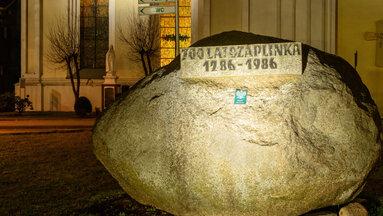 iluminacje obiektowmini-czaplinek kamien 700lecie 2