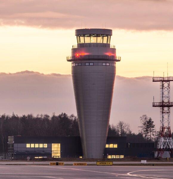 Najwyższa wieża ruchu lotniczego w Polsce, Katowice-Pyrzowice