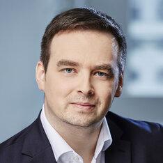 Dyrektor zarządzający Pionu Zarządzania Aktywami i Pasywami, odpowiedzialny za Centrum Kompetencyjne w zakresie zrównoważonego finansowania