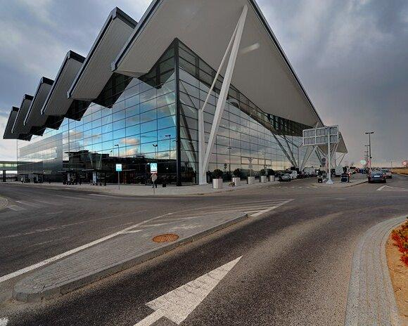 Terminal 2 lotniska w Gdańsku Rębiechowie