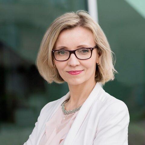 Beata Kopczyńska_kwadrat.jpg