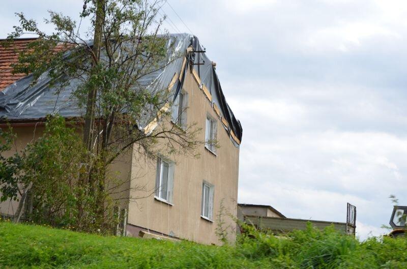 3007 Letnie-nawałnice-–-jak-zabezpieczyć-dom-jeśli-zostanie-uszkodzony