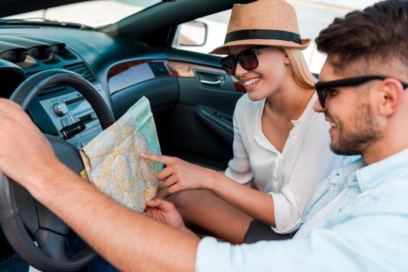 3007 Wakacyjne-podróże-samochodem-–-o-co-zadbać-przed-wyjazdem