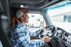 Zawód-kierowca-–-coraz-bardziej-poszukiwany-ale-czy-bezpieczny