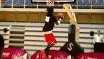 Relacja z briefingu prasowego Energa Basket Cup, który odbył się w Sopocie 2.6.2015 r. W tym roku, na specjalne zaproszenie, prosto z USA i Kanady przyjechali na finał Energa Basket Cup koszykarze z grupy Dunk Elite, którzy, wspólnie z jedynym wśród nich Polakiem - Rafałem Lipkiem Lipińskim, zaprezentują swoje najbardziej popisowe wsady i ewolucje. Efektowne umieszczanie piłki w koszu to ich specjalność a Justin Jusfly Darlington, Porter What's Gravity? Maberry i Rafał Lipek Lipiński, którzy wystąpią jako atrakcja dla zawodników i kibiców Energa Basket Cup, to między innymi Mistrzowie Świata we wsadach do kosza i zwycięzcy wielu międzynarodowych zawodów w tej konkurencji. Sam Lipek trzykrotnie tryumfował w Quai 54, czyli Mistrzostwach Świata w streetballu, rozgrywanych co roku u stóp Wieży Eiffela w Paryżu.