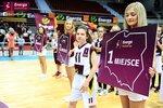 Ceremonia dekoracji zwycięzców Energa Basket Cup 2015 (6).jpg