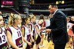 Ceremonia dekoracji zwycięzców Energa Basket Cup 2015 (15).jpg