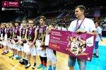 Ceremonia dekoracji zwycięzców Energa Basket Cup 2015 (25).jpg