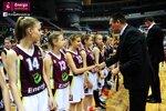 Ceremonia dekoracji zwycięzców Energa Basket Cup 2015 (26).jpg