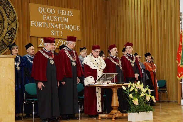 The ceremony of granting habilitation diplomas and doctoral promotions