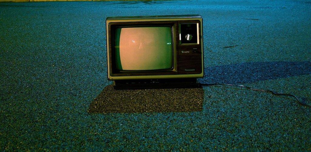 """Drugie życie """"starych"""" mediów"""