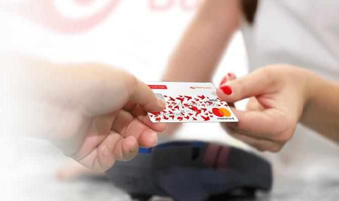 Poczta Polska z płatnościami kartą za przesyłki pobraniowe
