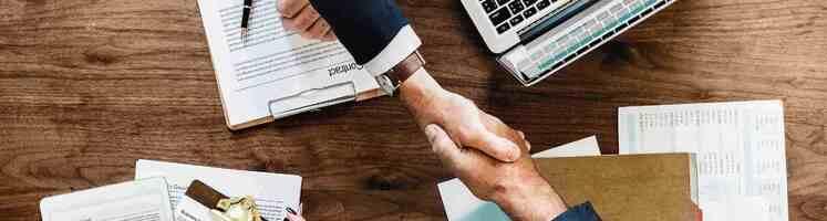 rsz_agreement-businessman-close-up-872957.jpg