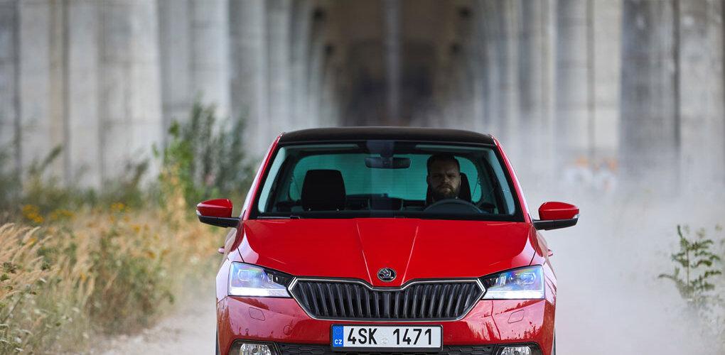 Sprzedaż nowych aut na drodze do kolejnego rekordu