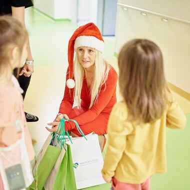 Provident na Zaczytanych Mikołajkach w szpitalu dziecięcym