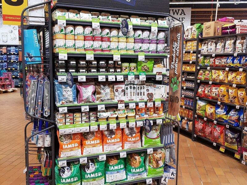 Carrefour rozwija ofertę bio i wprowadza ofertę wege dla… zwierząt!