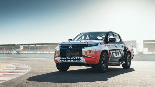 Wyścigowa wersja nowego Mitsubishi L200 wystartuje w australijskiej serii SuperUte
