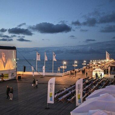 Niezapomniane filmowe wakacje dzięki Provident i AXA