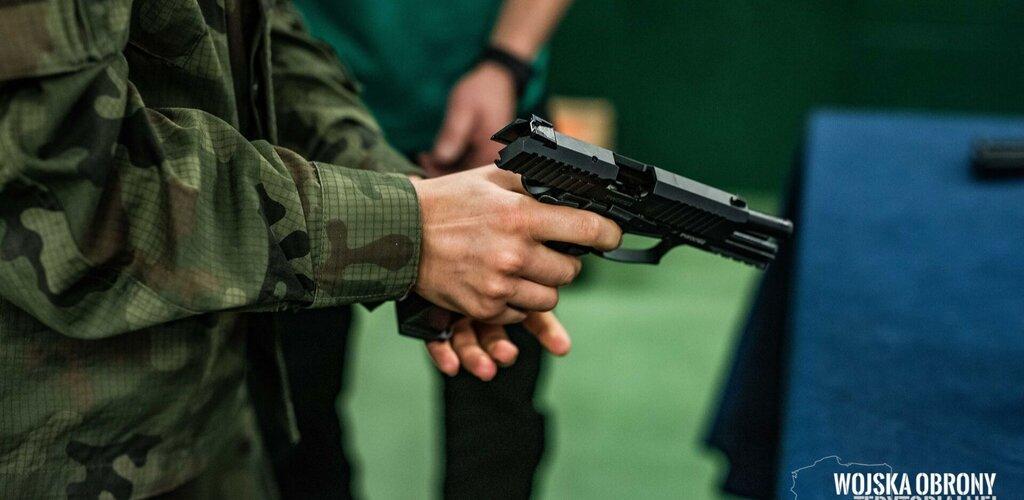 Wprowadzamy pistolety VIS 100 do Sił Zbrojnych