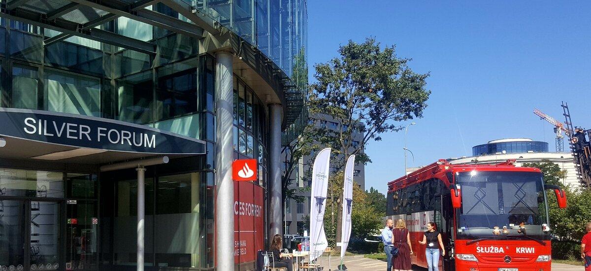 Honorowa zbiórka krwi we wrocławskim biurowcu Silver Forum