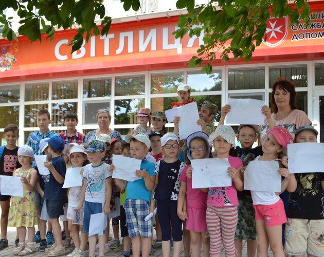 Świat zapomniał o wojnie na Ukrainie, podczas gdy Fundacja Świętego Mikołaja aktywnie wspiera dzieci na Wschodzie