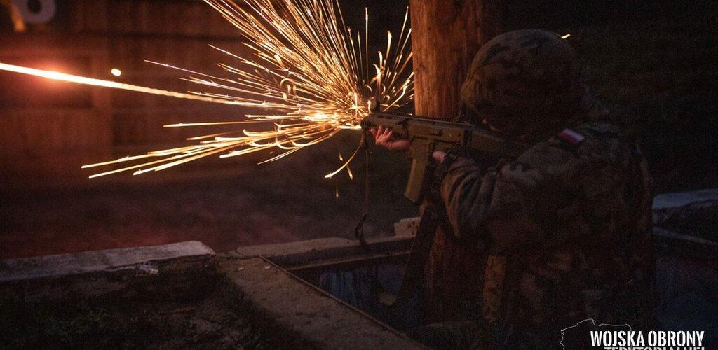 Zegrzyńscy łącznościowcy strzelają już z GROT-a