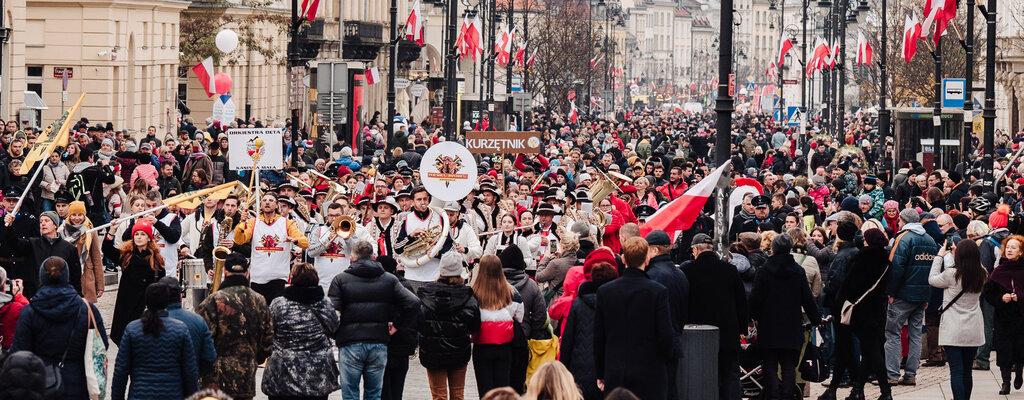 Polacy radośnie uczcili 101. rocznicę odzyskania Niepodległości
