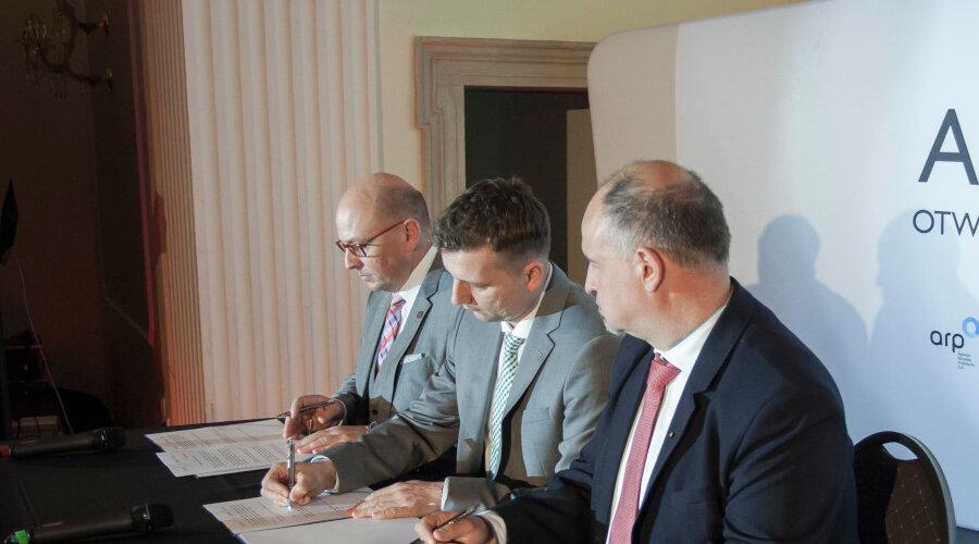 "Prezesi ARP S.A., KGHM POLSKA MIEDŹ S.A. i WSSE ""INVEST- PARK"" podpisali deklarację współpracy przy projekcie ALIANS S35"