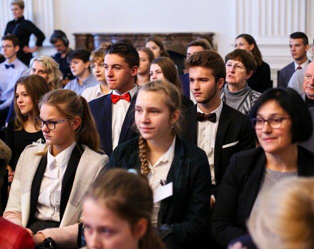 Stypendia Świętego Mikołaja mają sens. Gala 8. edycji Konkursu Solidarna Szkoła