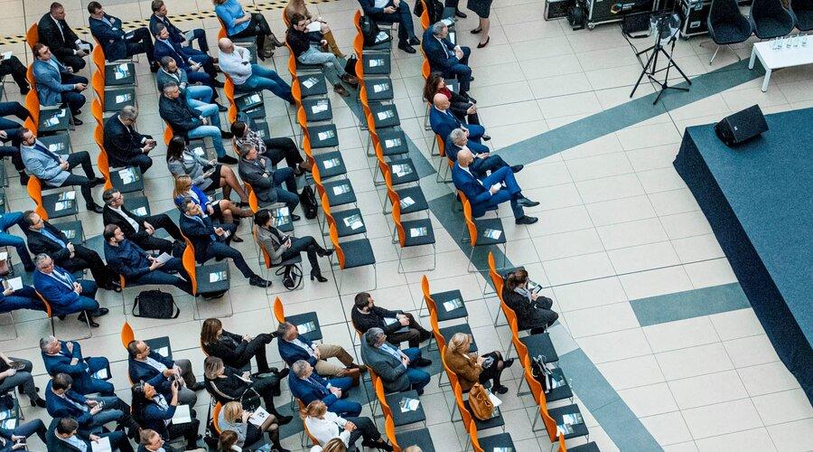 """Ponad 100 przedsiębiorców na konferencji CSR """"Mieć wpływ"""""""