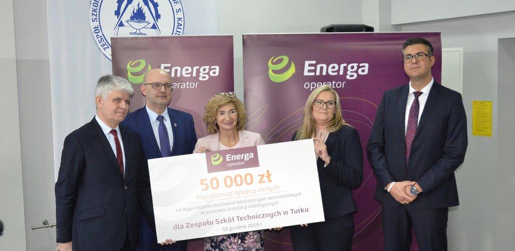 Energ(i)a do Nauki! Szkoła w Turku dostała 50 tys. zł na wyposażenie laboratorium