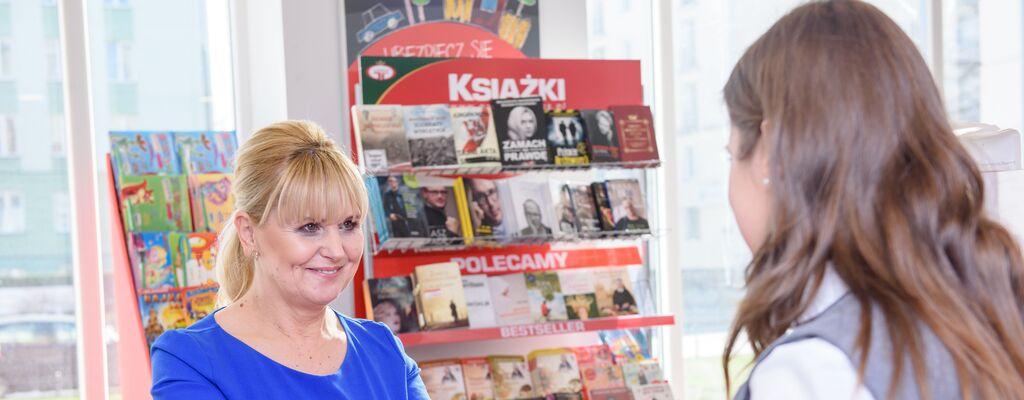 Poczta Polska: klienci kupują w placówkach coraz więcej artykułów