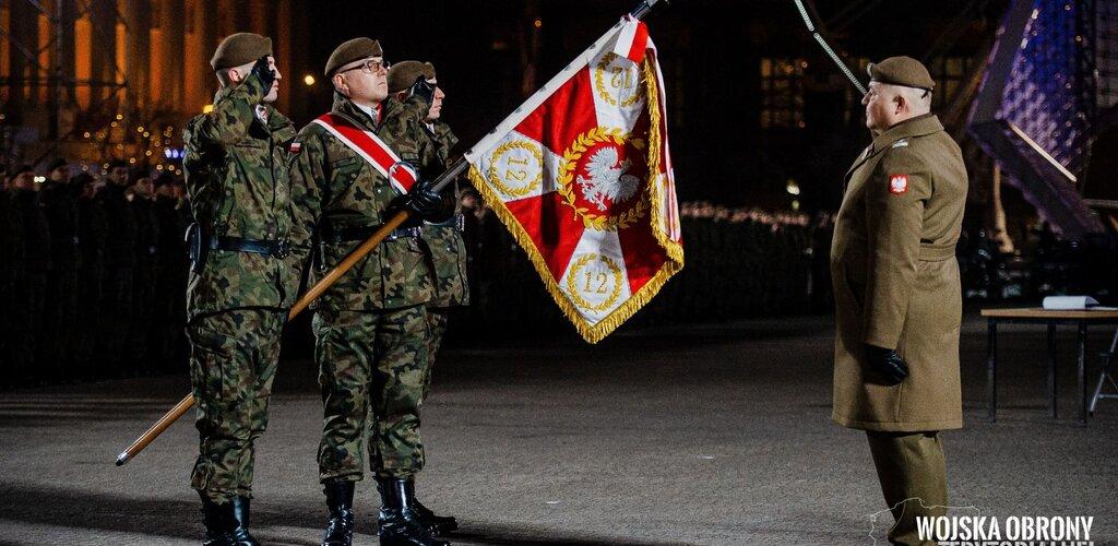 Wręczenie sztandaru dla 12 Wielkopolskiej Brygady OT - relacja