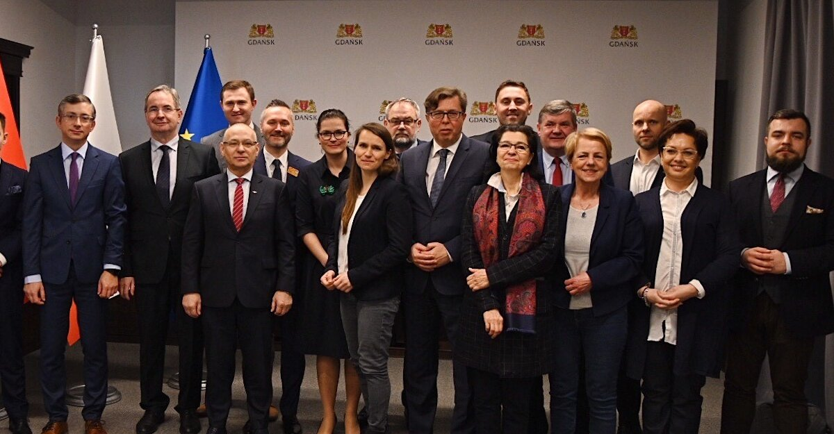 Spotkanie prezydent Gdańska z posłami i senatorami z województwa Pomorskiego