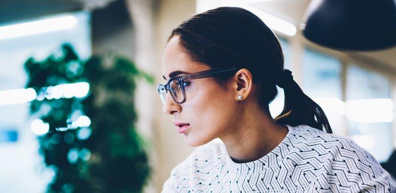 Kobiety bardziej niż mężczyźni odczuwają stres prosząc o podwyżkę