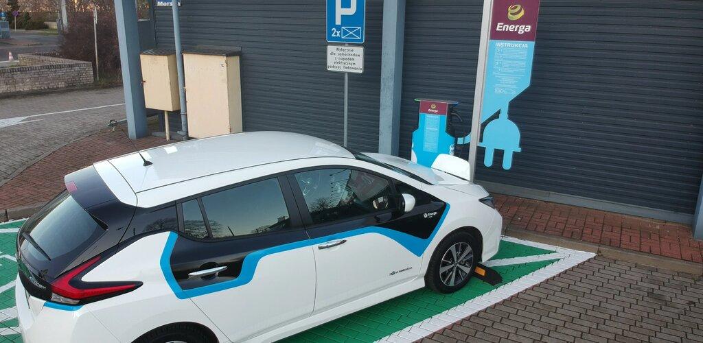 """Energa potroiła liczbę """"zielonych"""" stacji ładowania e-aut"""