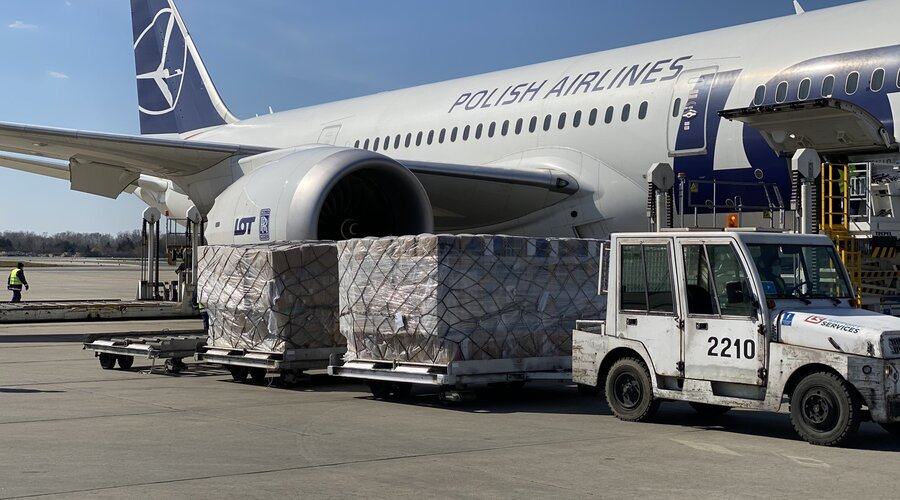 More planes with medical equipment purchased by KGHM have landed in Warsaw