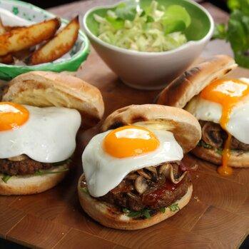 Zdjęcie: Między bułką a mięsem – obchody Światowego Dnia Hamburgera czas zacząć