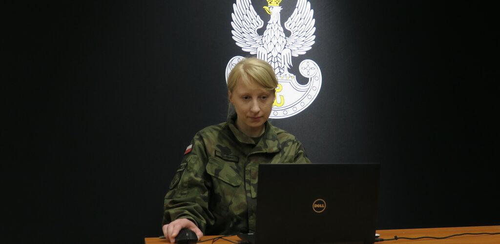 1000 pedagogów na wojskowych webinariach