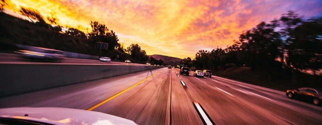 Urlop w czasach pandemii. Jak dobrze wynająć auto na wakacyjny wyjazd?