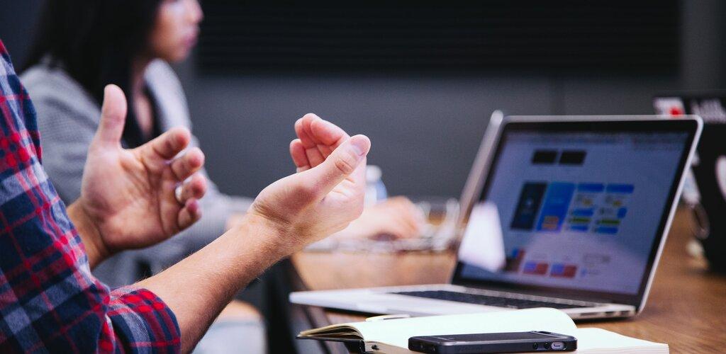 VAT i podzielona płatność spędzają przedsiębiorcom sen z powiek? Można się ubezpieczyć od błędu