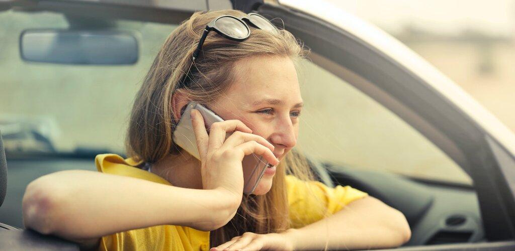 Na wakacjach dzwonimy do lekarza. Liczba telekonsultacji wzrosła w lipcu o 20%