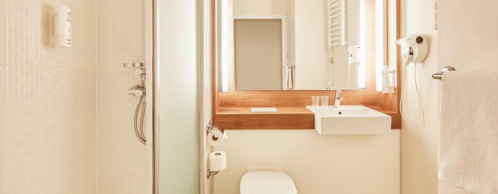 Louvre Hotels Group: kontrola protokołów sanitarnych w hotelach sieci w ramach programu Checked by NSF™