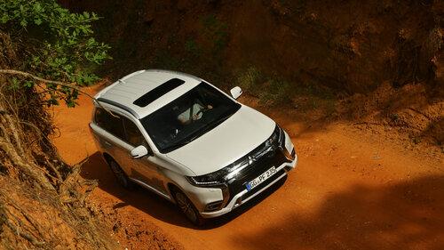 Mitsubishi Outlander PHEV w cenie benzynowego