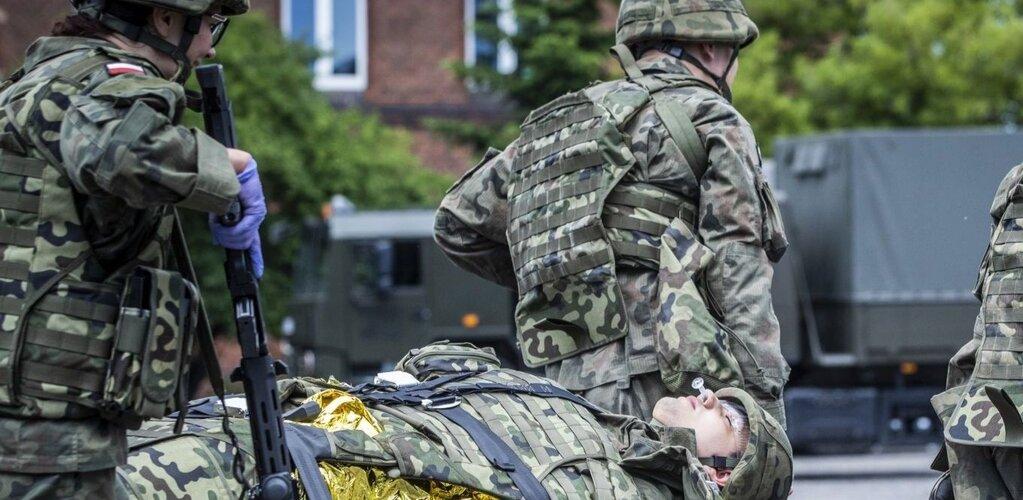 Ratowanie życia pod ostrzałem - kurs Ratownika Pola Walki w CSWOT