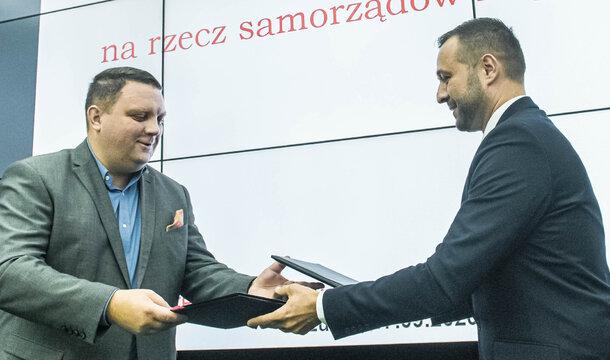 KGHM przekazuje wsparcie finansowe samorządom Zagłębia Miedziowego